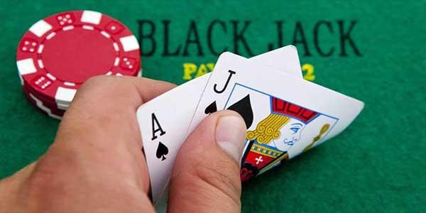 Menikmati variasi blackjack yang berbeza di CasinoMenang